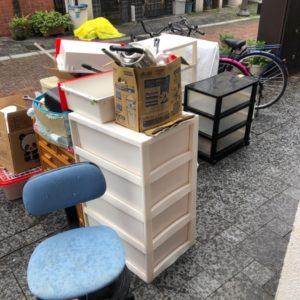【岡山市北区】カーペット、こたつ、衣装ケース、やかん等の回収