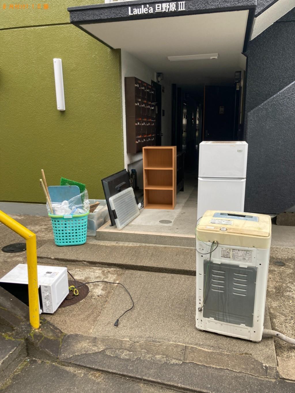 【岡山市】冷蔵庫、テレビ、本棚、二人用ダイニングテーブル等の回収